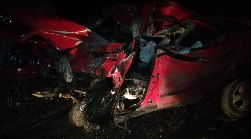 /FOTO/ Accident violent în raionul Dondușeni. Un tânăr a murit, iar altul a ajuns la spital în stare gravă