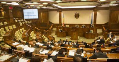 Legea miliardului a fost anulată de către deputații PSRM și Pentru Moldova