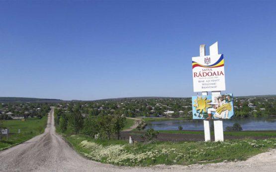 Locitorii satului Rădoaia din raionul Sângerei sunt nemulțumiți de starea drumului care leagă localitatea de raion