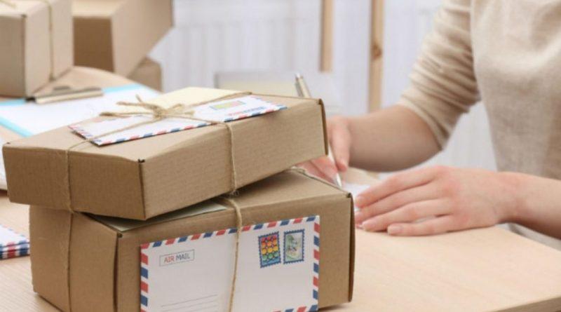Coletele poștale de peste 100 de euro vor fi impozitate din 1 mai 2021