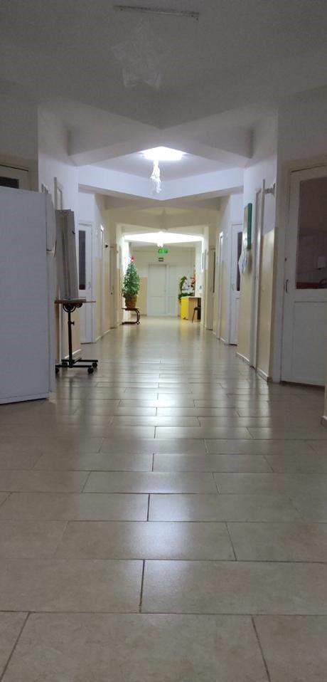 /FOTO/ Din nou condiții necorespunzătoare la Spitalul Clinic Bălți. Pacientă: Podea cu fisuri și gândaci peste tot 4 12.05.2021