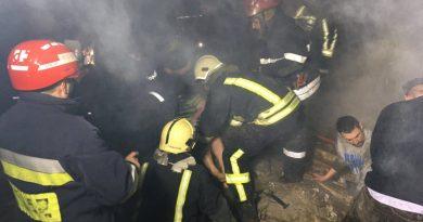 /VIDEO/ Deflagrație puternică la Sângerei. Cadavrul unui bărbat a fost scos de sub ruine, iar alte două persoane au ajuns la spital