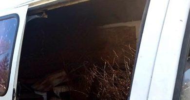 /FOTO/ Microbuze pline cu metal uzat, fără acte de proveniență, depistate în raionul Dondușeni