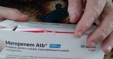 """Mai mulți pacienți din raionul Edineț, care au supravețuit COVID-ul povestesc cum au fost determinați să cumpere antibiotice ca să se salveze. """"Banii ni i-au adus într-o mănușă chirurgicală și i-au lăsat pe prag"""" 1 15.05.2021"""