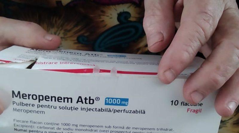 """Mai mulți pacienți din raionul Edineț, care au supravețuit COVID-ul povestesc cum au fost determinați să cumpere antibiotice ca să se salveze. """"Banii ni i-au adus într-o mănușă chirurgicală și i-au lăsat pe prag"""" 1"""
