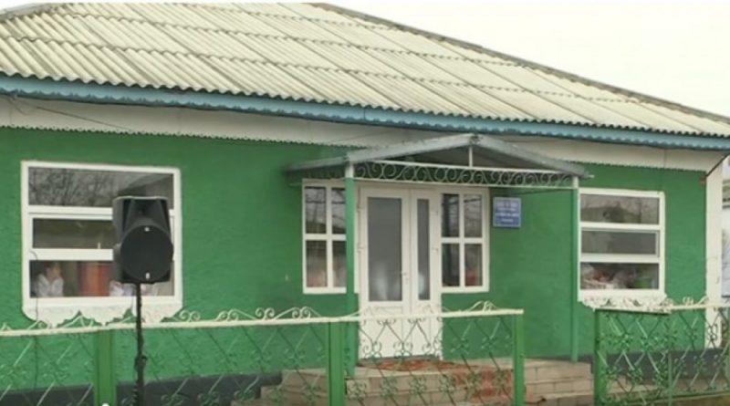 Copiii de la Școala de Arte din satul Cuhnești, raionul Glodeni, sunt nevoiți să facă lecții și pe holul instituției 1 17.04.2021