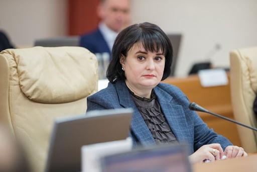 Din Guvern în Parlament. Fostul Ministru al Sănătăţii, Viorica Dumbrăveanu, a devenit consilierul Zinaidei Greceanîi