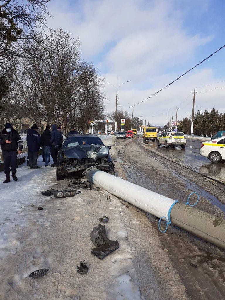 Foto /FOTO/ Un tânăr din Soroca a doborât la pământ cu automobilul un pilon de energie electrică 2 22.09.2021