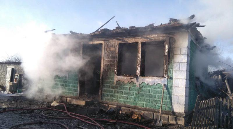 /VIDEO/ O casă din raionul Soroca a fost mistuită de flăcări