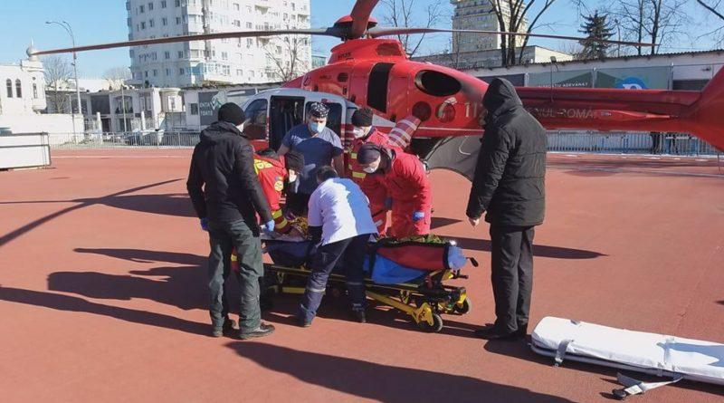 Intervenție SMURD la Ocnița. Femeie de 82 ani, transportată cu elicopterul la Chișinău