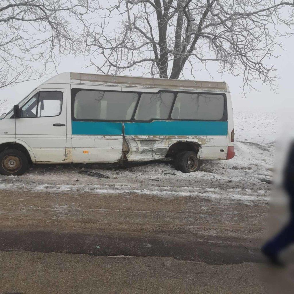 Foto /FOTO/ Accident în raionul Briceni. Două persoane au ajuns la spital 1 29.07.2021