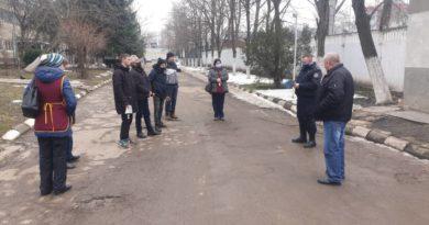 Polițiștii din Bălți îndeamnă cetățenii să respecte măsurile de protecție împotriva infectării coronavirusului