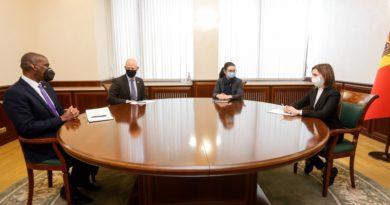 Президент Молдовы Майя Санду встретилась с послом США Дереком Хоганом, а также с главой миссии ЮСАИД в РМ Скоттом Хокландером 3 17.04.2021