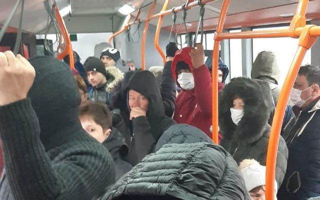 Prevederea privind limitarea numărului de persoane în transportul public a fost suspendată până la data de 28 februarie