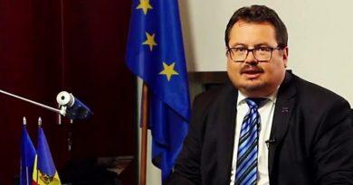 Петер Михалко: авторизация со стороны ЕС не нужна, чтобы Румыния пожертвовала Молдове часть вакцин 4 12.05.2021