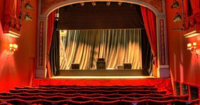 Regim special de activitate în țară. Teatrele se închid, iar școlile trec pe online