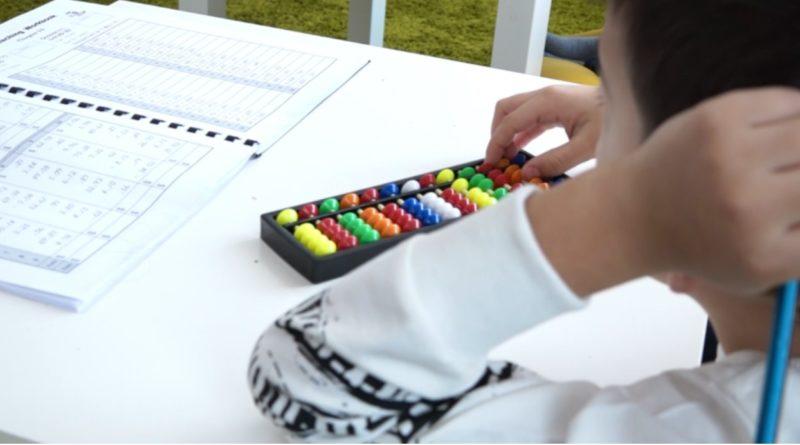 /VIDEO/ În orașul Drochia activează o școală aritmetică, care promovează educația inovativă prin metoda japoneză