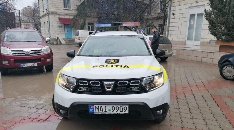 Doi angajați ai INSP au transportat o femeie însărcinată din Corlăteni la spitalul din Bălți. Peste câteva minute, femeia a născut o fetiță