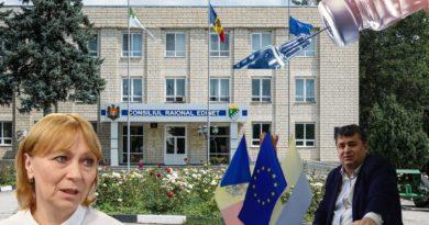 """Mai multe persoane din Edineț, inclusiv funcționari publici, au fost vaccinați împotriva COVID-19 înaintea medicilor. Ala Nemereco: În Republica Moldova a început vaccinarea """"pe pile"""" sau """"pe bani"""""""