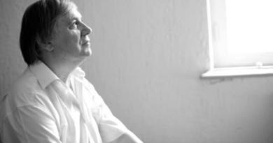 15 martie – Zi de doliu național în legătură cu funeraliile scriitorului Nicolae Dabija