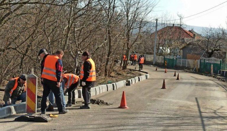 """Lucrările de construcție a drumului de acces către Mănăstirea """"Adormirea Maicii Domnului"""" din raionul Ocnița au fost reluate"""