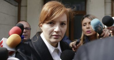 Fiica fostului președinte al României, Traian Băsescu, a fost condamnată la cinci ani de închisoare pentru spălare de bani 2 12.04.2021