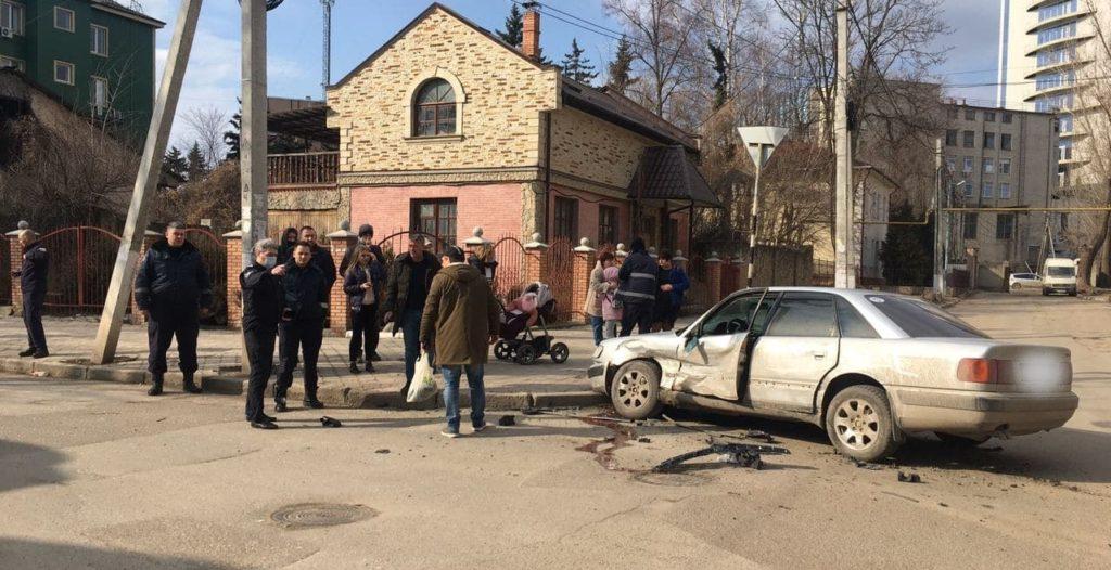 Foto /FOTO/ Accident de 8 martie la Bălți. Vinovatul a fugit de la fața locului 1 29.07.2021