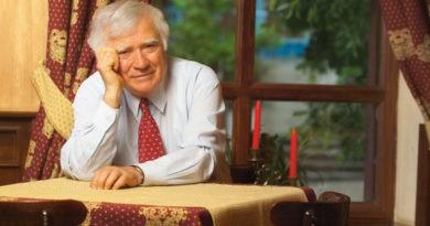 Scriitorul Spiridon Vangheli, internat în stare gravă la spital cu COVID-19