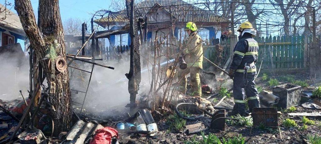 Foto /FOTO/ Pompierii din raionul Soroca au stins un incendiu și au prevenit producerea unei explozii 1 29.07.2021