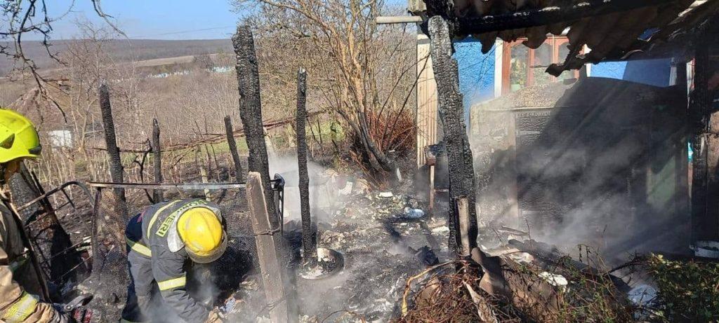 Foto /FOTO/ Pompierii din raionul Soroca au stins un incendiu și au prevenit producerea unei explozii 2 29.07.2021