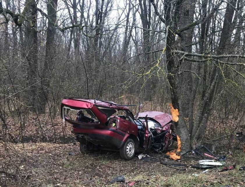 /FOTO/ Grav accident în raionul Ocnița. Două persoane au murit, iar alta a fost transportată la spital 2 11.05.2021