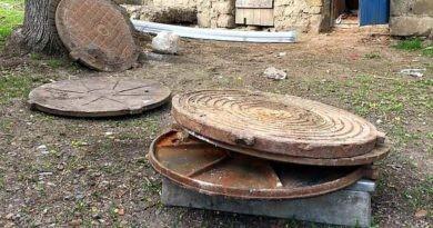 Doi bărbați din raionul Soroca au fost reținuți pentru furtul capacelor de canalizare