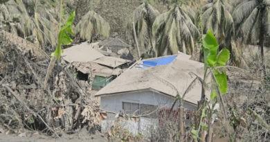 /VIDEO/ Peisaj apocaliptic: Locuitorii insulei Saint Vincent îşi recunosc cu greu casele după erupţia vulcanului La Soufrière 1 17.05.2021