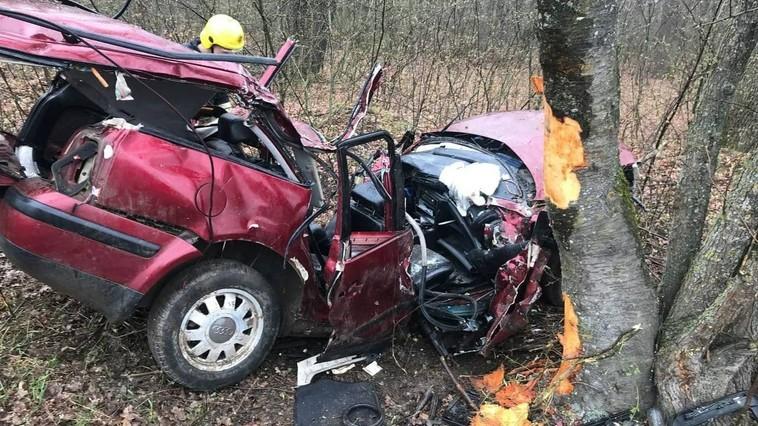 /FOTO/ Grav accident în raionul Ocnița. Două persoane au murit, iar alta a fost transportată la spital