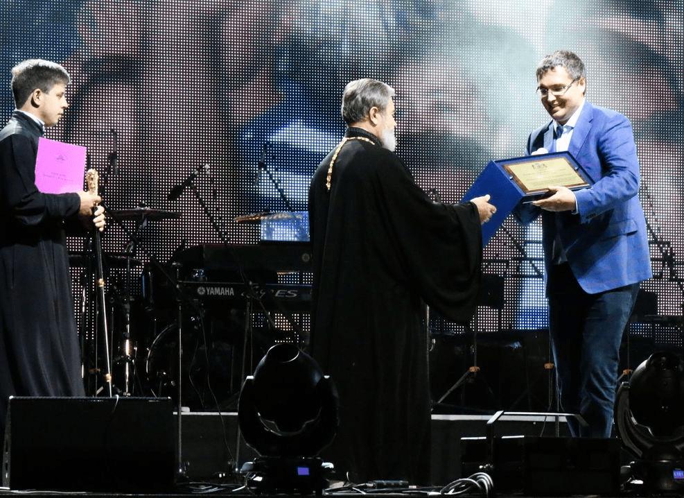 """Foto Епископ Бельцкий и Фалештский Маркелл признал, что владеет люксовым автомобилем: """"Это подарок"""" 2 18.09.2021"""