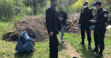 Trei bărbați drogați au fost găsiți într-un parc din Bălți ziua în amiaza mare