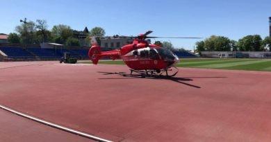 /VIDEO/ Intervenție SMURD la Edineț. Tânăr de 21 ani transportat cu elicopterul la Chișinău