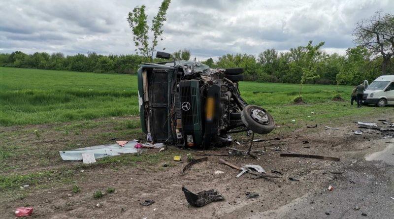 Grav accident cu implicarea unui microbuz de rută în satul Elizaveta. Opt persoane au fost transportate la spital