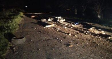 Accident în raionul Soroca. Un tânăr de 22 ani a murit, iar alte trei persoane au ajuns la spital, după ce motocicleta victimei s-a lovit într-un motocultor