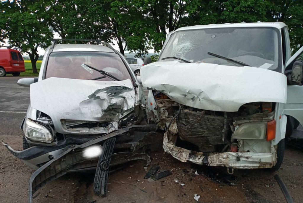 Foto /FOTO/ Accident la centura orașului Bălți. Trei persoane au fost transportate la spital 2 21.06.2021
