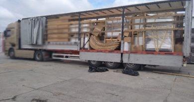 Un bărbat din raionul Drochia a fost reținut pentru trafic de persoane. Se întorcea din Turcia cu un camion, iar în remorcă avea doi minori fără acte de identitate
