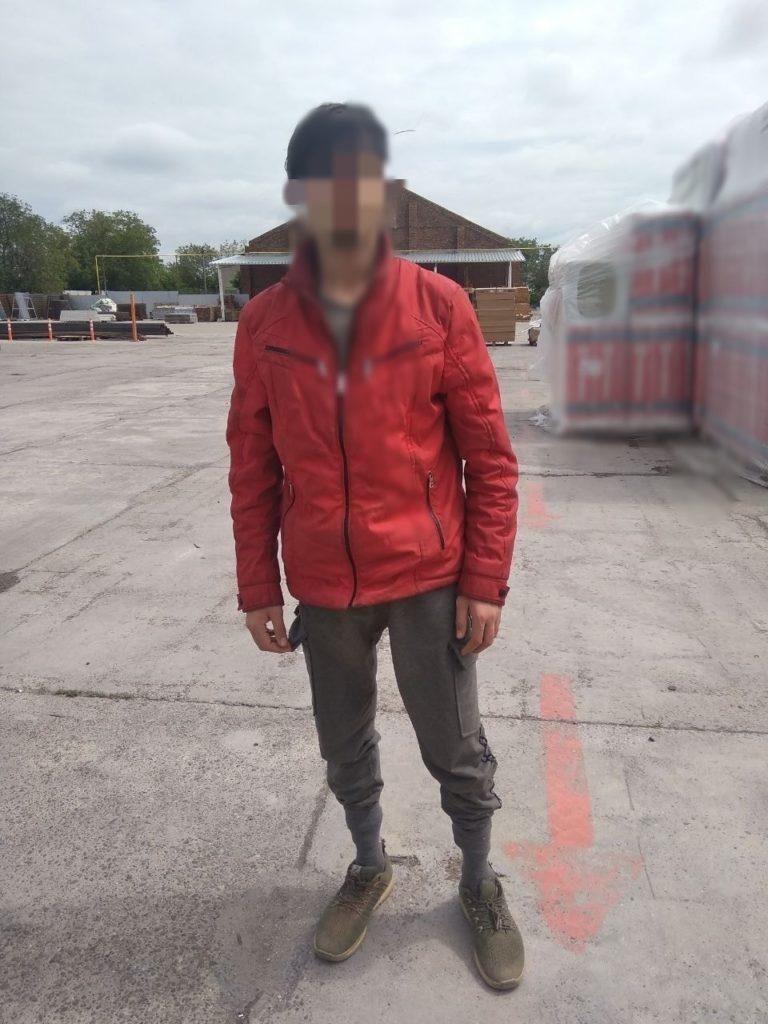 Foto Un bărbat din raionul Drochia a fost reținut pentru trafic de persoane. Se întorcea din Turcia cu un camion, iar în remorcă avea doi minori fără acte de identitate 2 18.09.2021