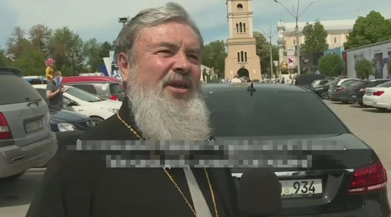"""Foto Епископ Бельцкий и Фалештский Маркелл признал, что владеет люксовым автомобилем: """"Это подарок"""" 1 18.09.2021"""