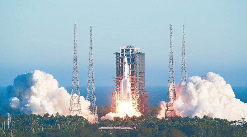 Китайская ракета упадет на Землю в День победы, а специалисты до сих пор не могут предсказать её место падения 7 12.05.2021