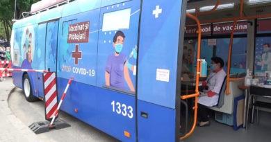 Foto По Кишиневу начинает ездить троллейбус с вакцинами от COVID-19 2 29.07.2021
