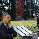 «Позор, Майя Санду»: Октавиан Цыку раскритиковал президента Молдовы за возложение цветов по случаю Дня Победы 9 12.05.2021