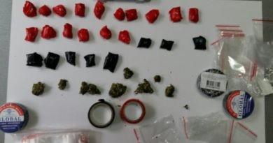 Patru tineri din Bălți au fost reținuți pentru comercializarea drogurilor în nordul țării