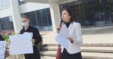 Foto Бельцкие активисты обвинили муниципальный совет Бэлць: «Они просто куклы, и голосуют за то, что уже было сделано» 3 18.09.2021
