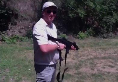 Появилось видео с Ренато Усатым, в котором он вместе с людьми из окружения Плахотнюка стреляет из различного оружия