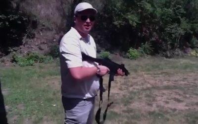Foto Появилось видео с Ренато Усатым, в котором он вместе с людьми из окружения Плахотнюка стреляет из различного оружия 4 21.06.2021